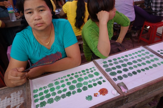 Jade Market in Mandalay by Binder.donedat. Flickr: https://flic.kr/p/ehJjxV CC BY-ND 2.0